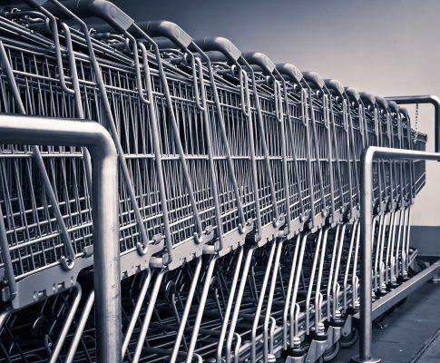Wpływ zakazu handlu w niedziele na gastronomię w centrach handlowych